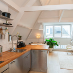 Spacious, airy and light apartment at Anna Paulownastraat, Den Haag, Nederland for € 1.675,- per month (Available right away)