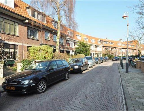 Nice floor with two rooms and a private balcony (Benoordenhout)